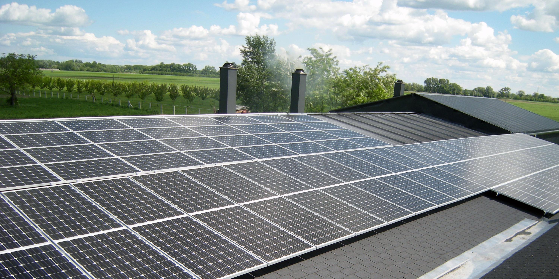 Üzem napelemes rendszere